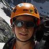 Actividad de 4 días durmiendo 3 noches en el refugio Respomuso en la que se coronaron los 3 Picos del Infierno (Occidental 3.075 m. , Central 3083 m. y Oriental 3079 m. ) y el Garmo Blanco además de intentos sin éxito de las cumbres del Balaitús, Frondellas y Aguja Cadier - BECAS TODOVERTICAL 2014